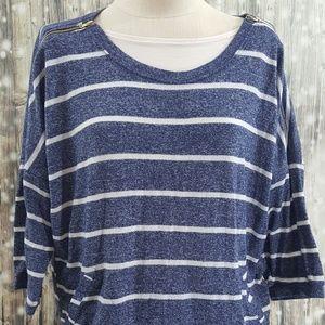 Tops - 😍     Knit top with zipper shoulders size L